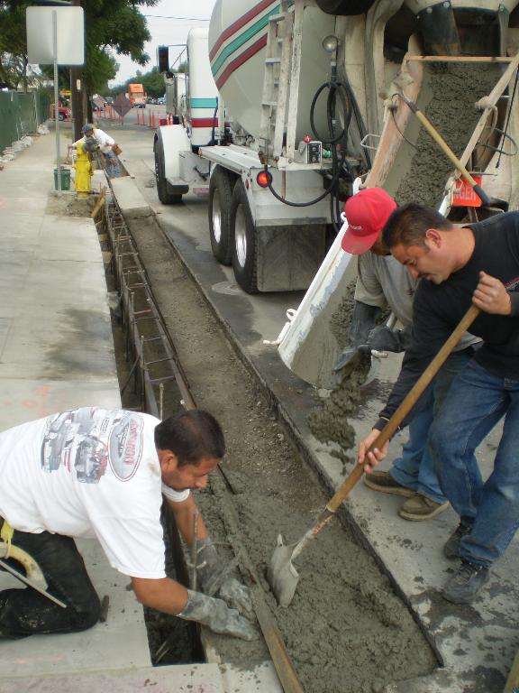 Concrete Curb And Gutter Repair In Paramount Concrete